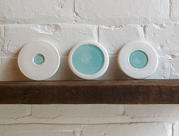 Porcelain Wall Art With Circle Design