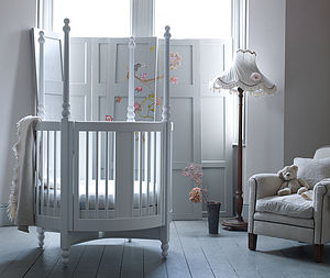 Orpheus Round Cot - cots & cribs