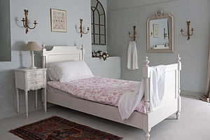 Gustavian Bed - beds