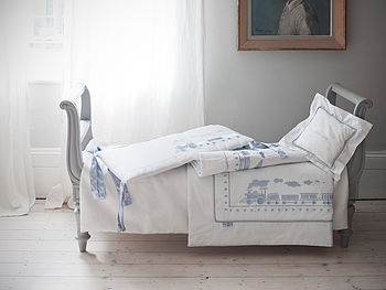 Caerus Train Organic Baby Bedding Set