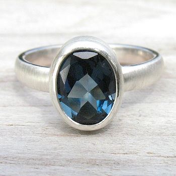 London Blue Topaz 925 Ring - Spun Silk Finish
