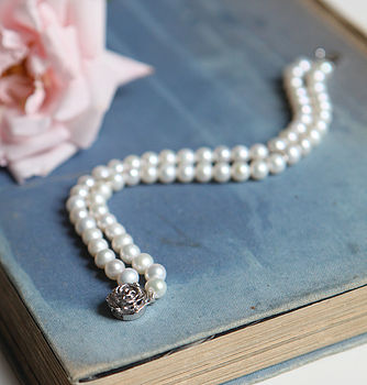 Cultured Pearls Bracelet With Rose Clasp