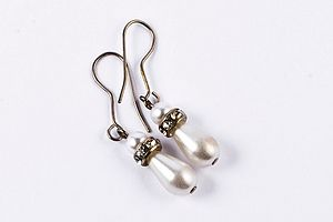 Georgia Drop Pearl Earrings - earrings