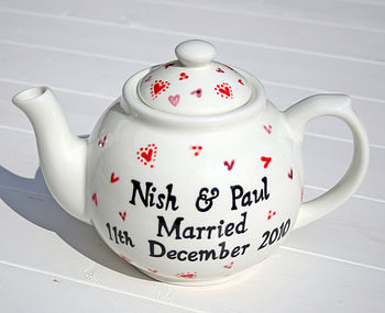 red and pink hearts teapot