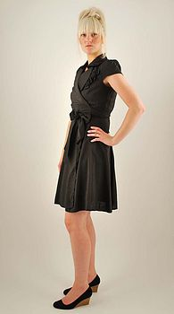 Corsage wrap dress in black