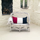 Thumb tricolore cushion