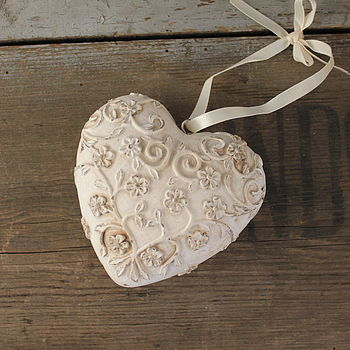 Floral Resin Heart Decoration