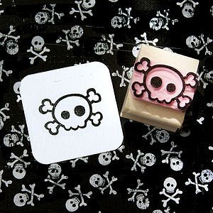 Small Skull & Cross Bones Hand Carved Stamp - frightfully good fun for halloween