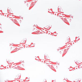 Sample 'Spitfires' White Wallpaper