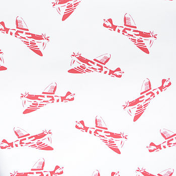 Sample 'Spitfires' White Wallpaper