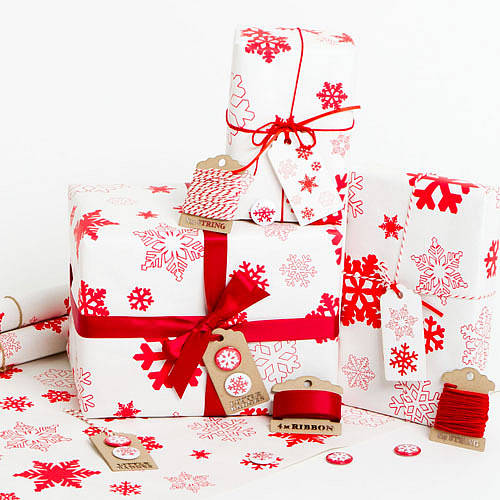 snowflakes white christmas wrapping paper set by sophia. Black Bedroom Furniture Sets. Home Design Ideas