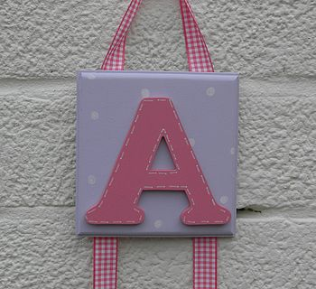 lilac plaque/strawberry initial