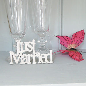 'Just Married' Cream Wooden Hanging Sign