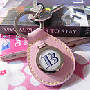 Thumb_pink_leather_keyring_on_books