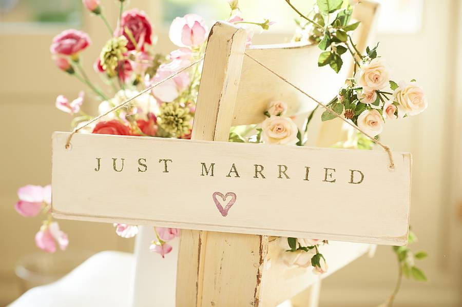 'Just Married' Wooden Sign