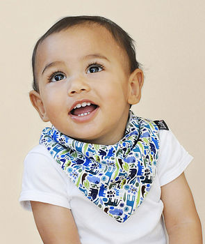 Boy's Fleece Lined Dribble Bib