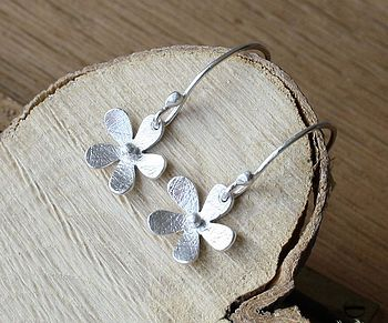 Handmade Silver Daisy Drop Earrings