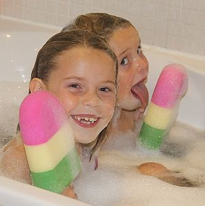Lollipop Sponge - bathtime