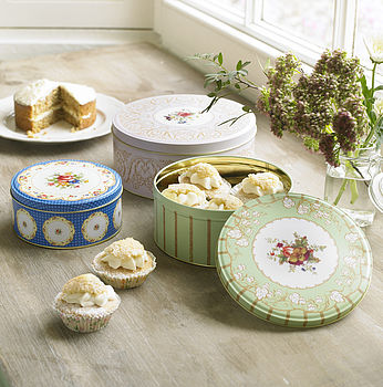 Set Of Three Vintage Style Cake Tins