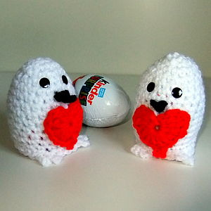 Luvvy Duvvy Cover For Kinder Egg - egg cups & cosies