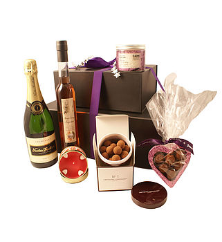 Heart's Desires Hamper