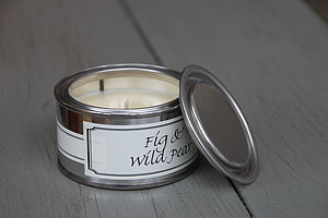 Fig And Wild Pear Candle - bedroom