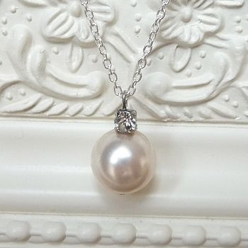 Rhinestone And Pearl Pendant Necklace - 1cm Pearl