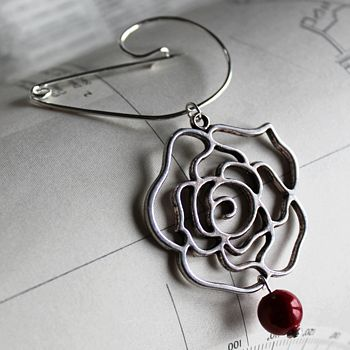 Swirl Pin With Absract Rose