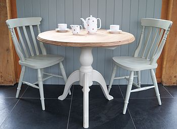 Pedestal Dining Table And Cottage Chairs
