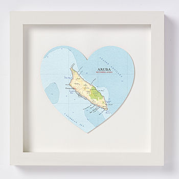 Aruba map heart print white frame