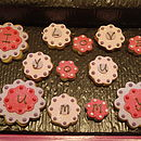 'I Love You Mummy' Flower Biscuits