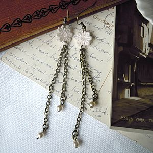 Lace Daisy Chain Earrings