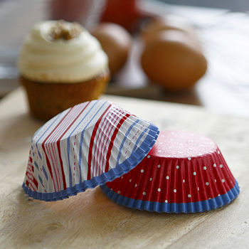 red and white stripe cupcake cases