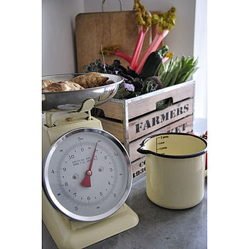 Retro Enamel Kitchen Scales