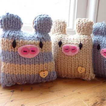 Three Little Pigs knitting kit- Blue and Tan