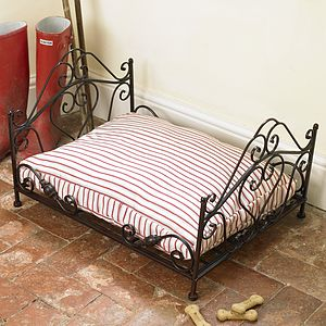 Wrought Iron Luxury Amore Pet Bed With Mattress - cats
