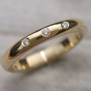 Handmade 18ct Gold Wedding Ring With Diamonds