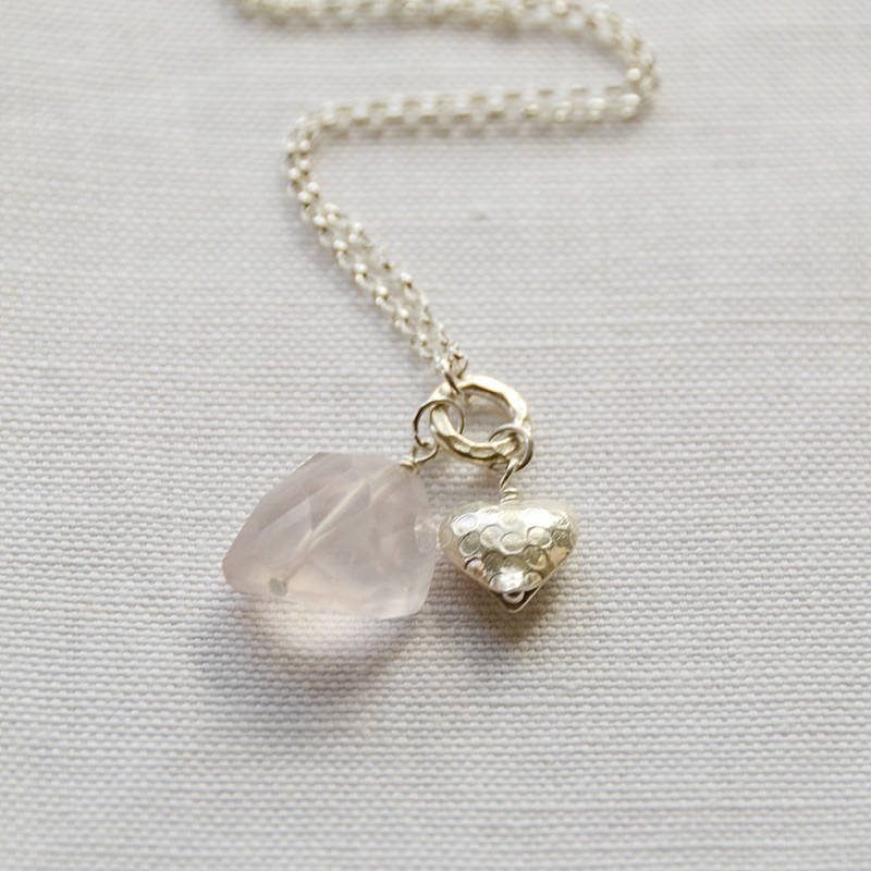 Preferred silver heart & rose quartz necklace by adela rome  UU98