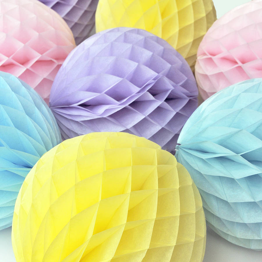 Tissue paper honeycomb ball decoration by peach blossom for Decoration paper