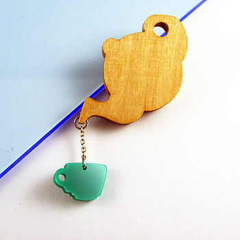 Teapot Brooch And Green Teacup