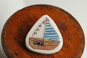 Boat Earthenware Badge