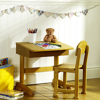 normal Desk and Chair babydeco.co.uk