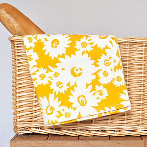 Daisy Design Tea Towel - kitchen accessories