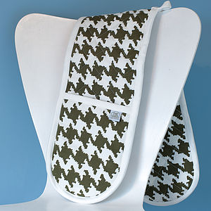 Houndstooth Design Oven Gloves - oven gloves & mitts