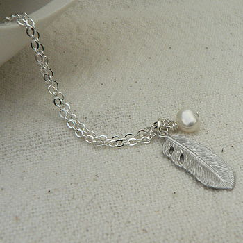 feather necklace with pearl