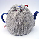 wool heart tea cosy back