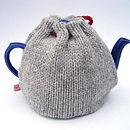 wool heart tea cosy back