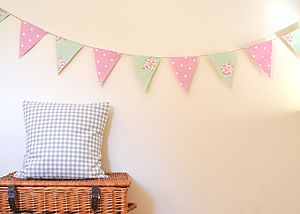 Traditional English Country Bunting - living room