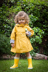 Girl´s Yellow Raincoat - coats & jackets