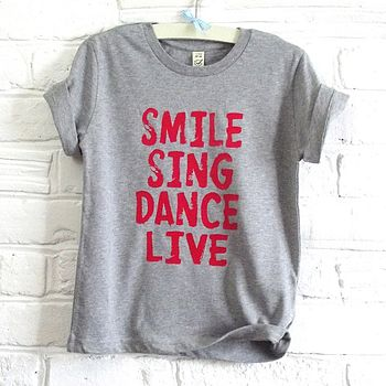 smile sing dance live red